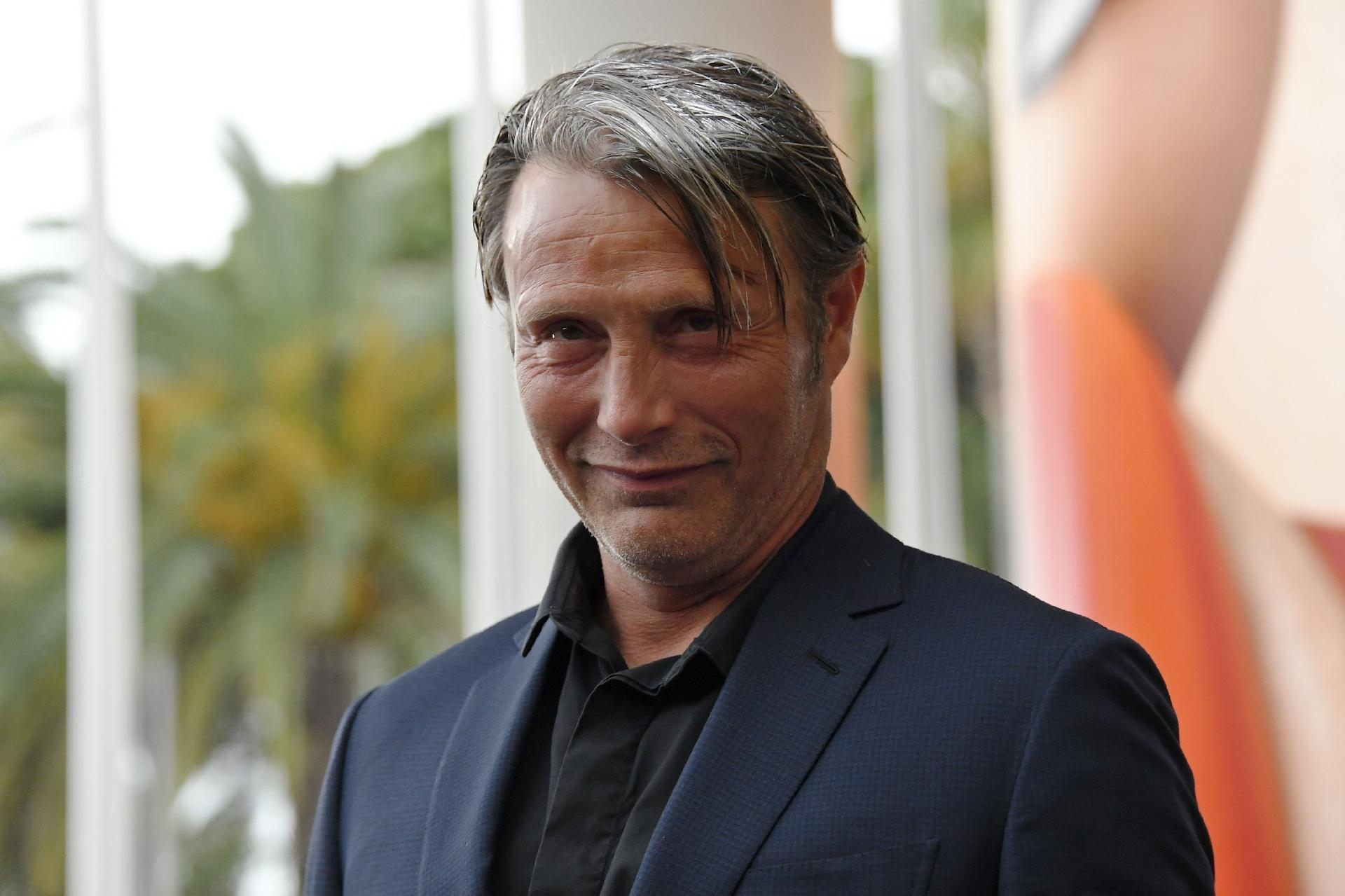 Warner confirma Mads Mikkelsen como substituto de Johnny Depp